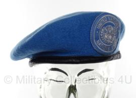 VN UN United Nations baret met stoffen insigne  - meerdere maten  - origineel