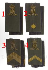 KL Nederlandse leger GVT MA Militaire Academie schouderstukken - gouden letters - verschillende rangen - origineel