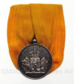 Nederlandse medaille 24 jaar trouwe dienst zilver - huidig model - wilhelmina - 2,6 cm diameter (ronde deel) - origineel