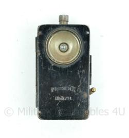 Wo2 Duitse zaklamp voor aan de koppel of uniform - Pertrix 679L-13,5x7x2,5cm - origineel