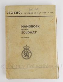 """Boek """"KL Handboek voor de soldaat VS 2 1350"""" - 1970 - origineel"""