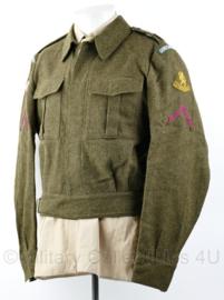 MVO jas Geneeskundige troepen 1956 met rang insignes en eenheid - Soldaat 2e klasse 1e Legerkorps - maat 51 ¾ - origineel
