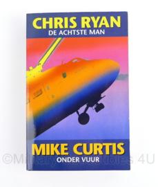 Chris Ryan De achtste man Mike Curtis onder vuur
