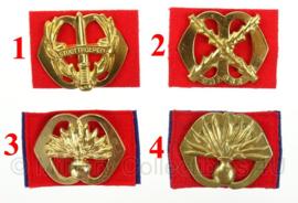 KL Nederlandse leger Infanterie baret insignes - origineel