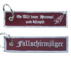 Fallschirmjager Es fällt vom Himmel und kämpft sleutelhanger met label - 11 x 2,5 cm - nieuw gemaakt