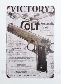 Nieuw gemaakte metalen plaat  met US Victory Colt Pistol  30 x 20 cm - nieuw