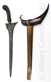 Indische handgemaakte KRIS dolk met metalen schede - 51 x 20 x 3,5 cm - origineel