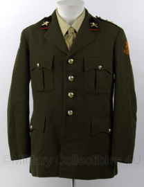 KL DT jas met emblemen - met Kraagspiegel Veldartillerie - Onderscheidingsteken Kapitein - maat 54 - origineel