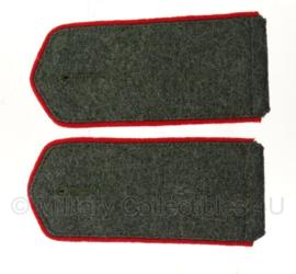 Schouderstukken Feldbluse M1915 - infanterie (rode bies)