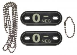 Dogtag ketting met 2 bloedgroep hangers 3D PVC - zwart - bloedgroep O NEG