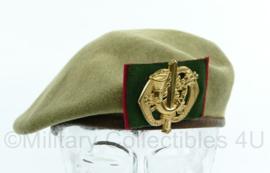 Kl Nederlandse DT baret uit 1962 met insigne Limburgse jagers - maat 56 - origineel