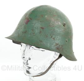 Bulgaarse M1946 helm type B - met rode ster voorop - origineel