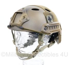 Defensie Emerson Gear oefenhelm kunststof camo met Medic patches  - maat M - origineel