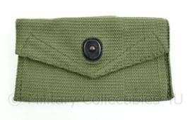 Korps Mariniers vorig model first aid pouch groen Webbing - 15 x 8 x 0,2 cm - origineel
