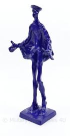 Ronald Tolman miniatuur uitvoering van 'de blauwe diender' - 26 x 6 x 6 cm - origineel