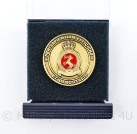 Klu Luchtmacht coin 301 squadron met doosje  -  7,5 x 9,5 cm - origineel