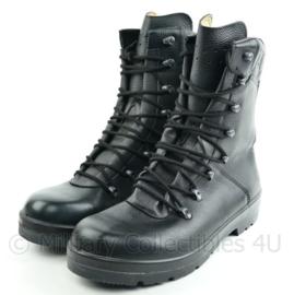 Zwarte Militaire legerkisten - maat mismatch R 295/116 L 300/117 - NIEUW - origineel!