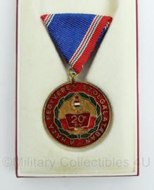 Hongaarse medaille a haza fegyveres szolgálatában 20 EV 20 jaar dienst in doosje - Origineel