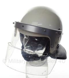 ME Mobiele Eenheid helm met extra lang vizier - wit - maat 58-60 - origineel