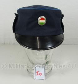 Politie pet uit Hongarije - art. 50