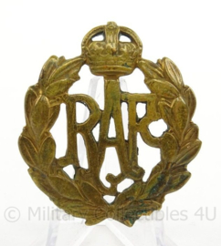 WO2 Britse baret of cap insigne RAF Royal Air Force  - afmeting 4 x 4,5 cm - origineel