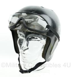 Korps Mariniers Protec classic helm met bril voor bij het parachutespringen - Custom added bril houder voorop - maat Large - origineel