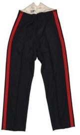 Zwarte britse uniform broek met extra 4,5 cm. brede rode bies  - 152 / 81 cm. - origineel