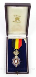 Belgische medaille van de Arbeid zilver - ereteken van de arbeid 2de klasse - afmeting 8 x 14 cm - origineel