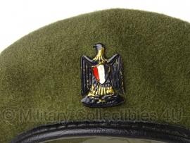 Egyptische Leger baret groen - maat 58 - met insigne - origineel
