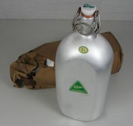 Virgo alluminium 2 liter fles - nieuw in verpakking-  origineel wo2 periode