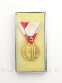 Oostenrijkse leger bijzondere verdiensten medaille in doosje - origineel