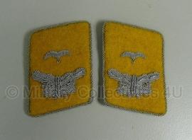 Luftwaffe Flieger of Fallschirmjäger officier leutnant kraagspiegels geel