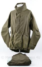 Defensie en Korps Mariniers Carinthia regenjas met broek groen - gebruikt maar bruikbaar - maat Large - origineel