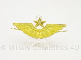 """Russisch metalen petembleem """"wing met ster"""" goudkleurig - origineel"""
