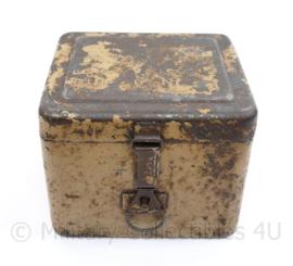 WO2 Duitse 8 cm granatwerfer 34 Box RA35 voor de kijker - 14 x 11 x 12,5 cm  - origineel