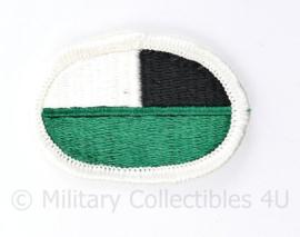 US Army naoorlogse oval wing voor op de borst onbekend- witte rand wit/zwart/groen - - origineel