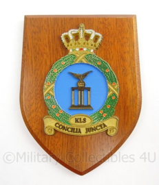 KLu Luchtmacht wandbord Korps Luchtmacht Staf - Consilia Juncta - afmeting 14 x 19 x 1,5 cm - origineel
