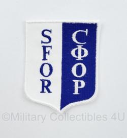 Defensie en Internationaal SFOR embleem -  8 x 6 cm - origineel