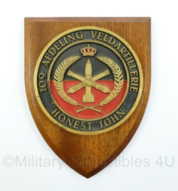 KL wandbord - 109 afdeling veldartillerie - Honest John - afmeting 18 x 14 x 2 cm - origineel