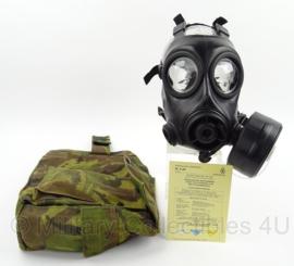 KL Nederlandse leger AMF12 gasmaskerset met gevechtsfilter en woodland tas - maat 2  - origineel