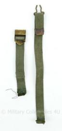 Nederlands leger groene kinriem voor aan de M1 helmpot - 40x2x0,3cm - origineel