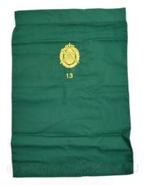 Defensie halsdoek  Geneeskundige dienst 13e compagnie  - groen - 47 x 34 cm - origineel