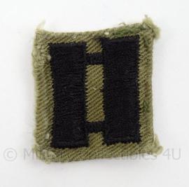 US Army Vietnam Oorlog kraag insigne met rang Captain - afmeting 3 x 3,5 cm - origineel