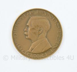 Het Nederlandse Roode Kruis bloedtransfusiedienst coin - diameter  4 cm - origineel