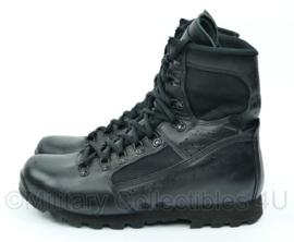 Nederlandse leger en Korps Mariniers MEINDL Jungle Masai schoenen zwart leer  - Maat 10,5= maat 45 - origineel