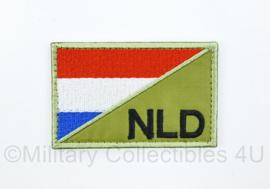 Nederland NLD met Nederlandse vlag embleem stof - met klittenband - zwart op groen  - 7,5 x 5 cm