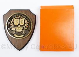 KL Nederlandse leger Beatrix van Oranje Claus von Amsberg wandbord in doosje - 18,5 x 14,5 x 1,5 cm - origineel