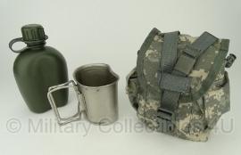 US Army ACU camo veldfles hoes met beker en veldfles- origineel