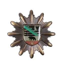 Duitse politie pet  insigne Polizei Sachsen-Anhalt  - origineel