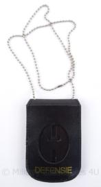 Defensie lederen brevet  houder met nekkoord - 12,5 x 9 cm - origineel